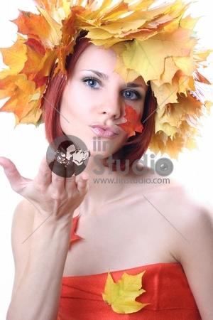 elegant autumn-girl