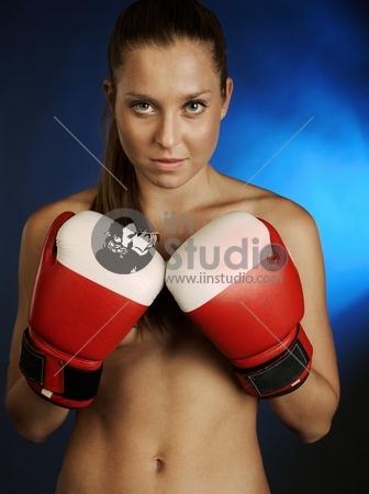 Female fighter brutal with rught gloves