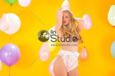 Stripping Girl